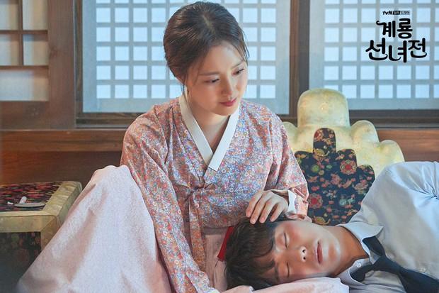5 lí do khiến bạn không thể không yêu cô tiên Moon Chae Won chờ chồng trăm năm để đòi lại xiêm y - Ảnh 9.