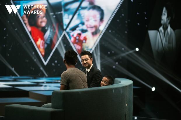Mẹ cậu bé xếp dép bật khóc trên sóng truyền hình khi nhắc đến ước mơ thành hiện thực: Có việc làm để nuôi con - Ảnh 3.