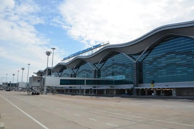 Khuyến cáo hành khách lưu ý sạt lở, ngập úng trên tuyến đường đi từ TP.Nha Trang lên sân bay Cam Ranh - Ảnh 1.