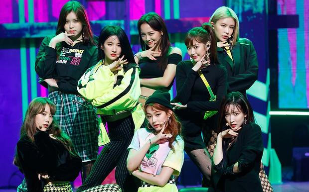 """Những thành viên đột ngột rời nhóm: Nghi ngờ 2 nam idol bị JYP """"đuổi thẳng cổ"""" vì phạm luật, trường hợp của Jessica (SNSD) bao năm vẫn gây tranh cãi - Ảnh 15."""