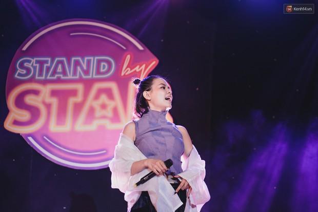 Stand By Star: Gần 30 ca sĩ Vpop đình đám bậc nhất mang loạt hit bự, cháy cùng hàng ngàn sinh viên mừng ngày 20/11 - Ảnh 36.