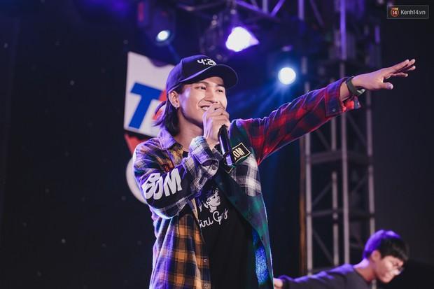 Stand By Star: Gần 30 ca sĩ Vpop đình đám bậc nhất mang loạt hit bự, cháy cùng hàng ngàn sinh viên mừng ngày 20/11 - Ảnh 28.