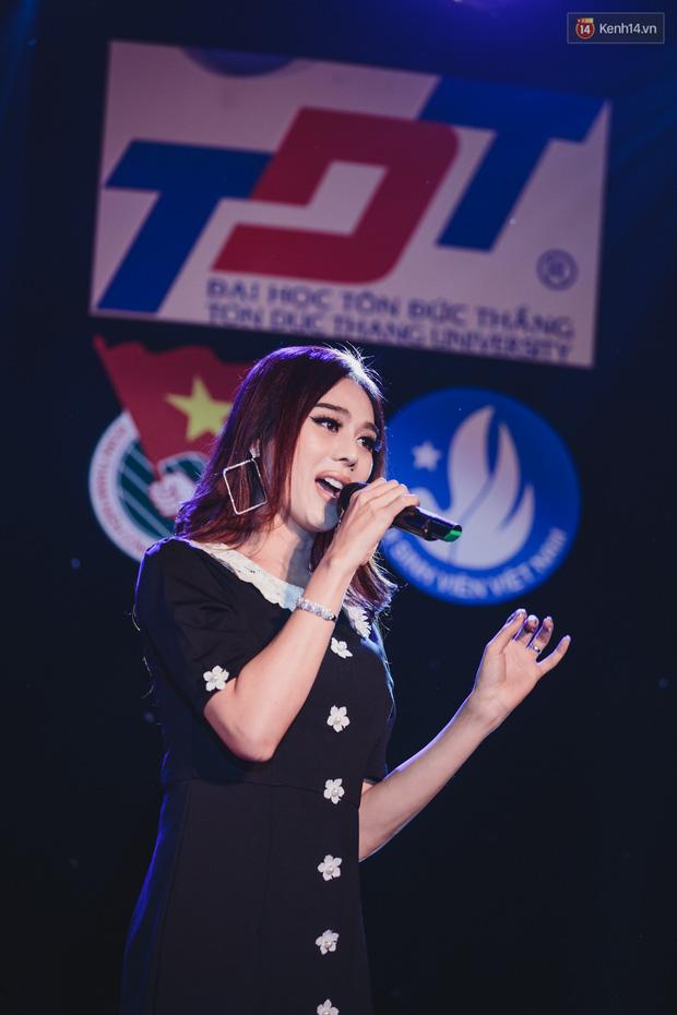 Stand By Star: Gần 30 ca sĩ Vpop đình đám bậc nhất mang loạt hit bự, cháy cùng hàng ngàn sinh viên mừng ngày 20/11 - Ảnh 8.
