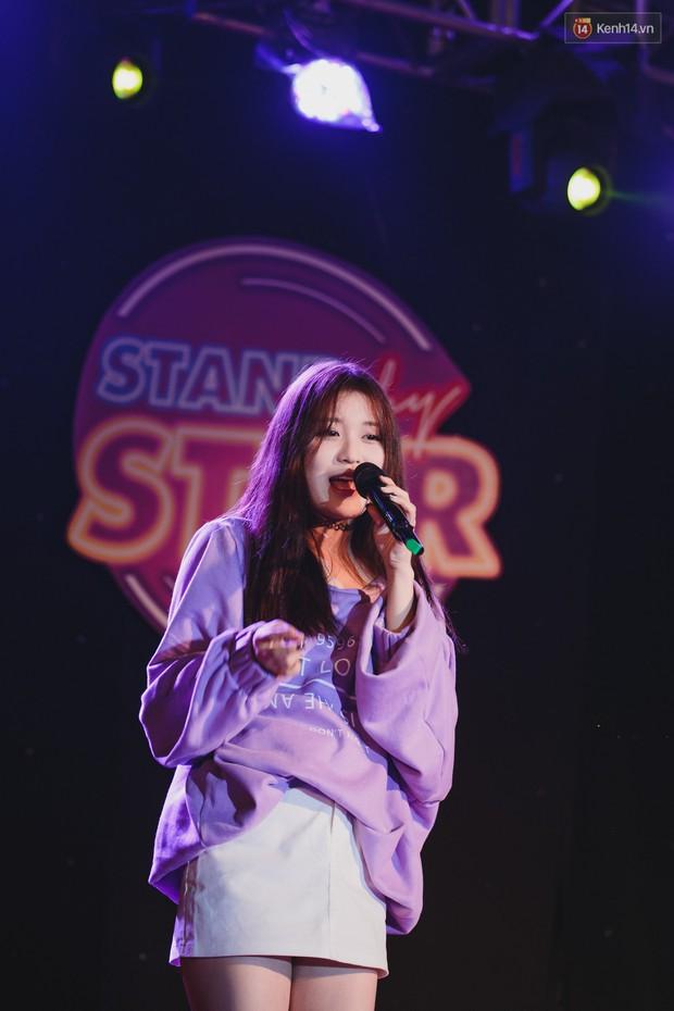 Stand By Star: Gần 30 ca sĩ Vpop đình đám bậc nhất mang loạt hit bự, cháy cùng hàng ngàn sinh viên mừng ngày 20/11 - Ảnh 15.