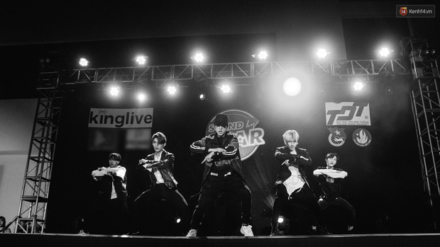 Stand By Star: Gần 30 ca sĩ Vpop đình đám bậc nhất mang loạt hit bự, cháy cùng hàng ngàn sinh viên mừng ngày 20/11 - Ảnh 24.