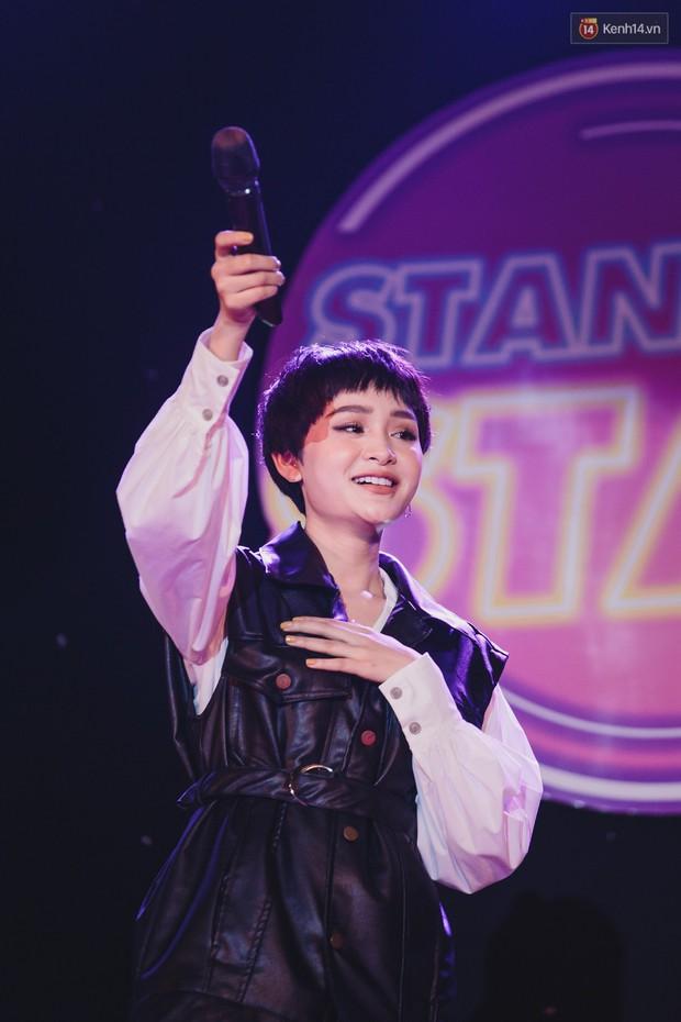 Stand By Star: Gần 30 ca sĩ Vpop đình đám bậc nhất mang loạt hit bự, cháy cùng hàng ngàn sinh viên mừng ngày 20/11 - Ảnh 18.