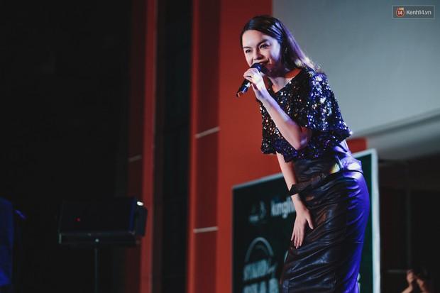 Stand By Star: Gần 30 ca sĩ Vpop đình đám bậc nhất mang loạt hit bự, cháy cùng hàng ngàn sinh viên mừng ngày 20/11 - Ảnh 5.