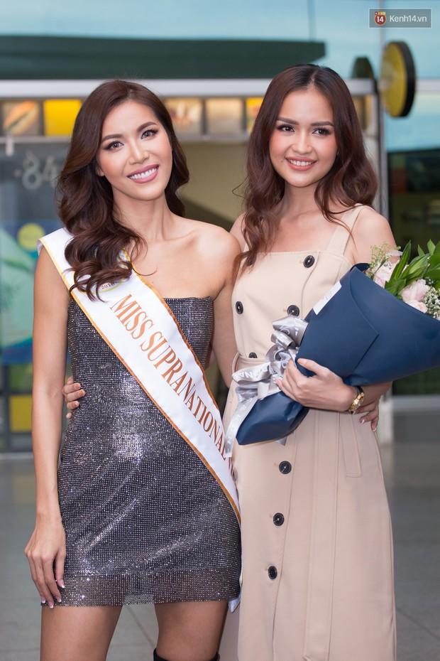 Minh Tú xuất hiện nổi bật tại sân bay, khởi hành đi Ba Lan chinh phục vương miện Miss Supranational 2018 - Ảnh 8.