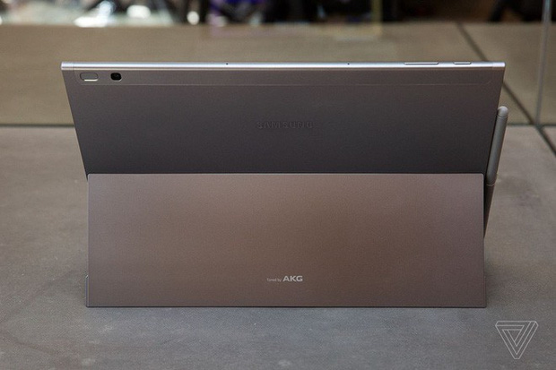 Thiết bị 2-trong-1 mới nhất của Samsung: Hứa hẹn thật nhiều, làm được chẳng bao nhiêu - Ảnh 4.