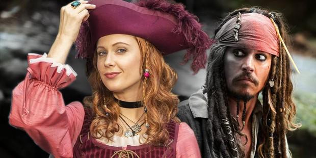 Cướp biển Jack Sparrow của Johnny Depp sẽ được tái khởi động với phiên bản nữ? - Ảnh 1.
