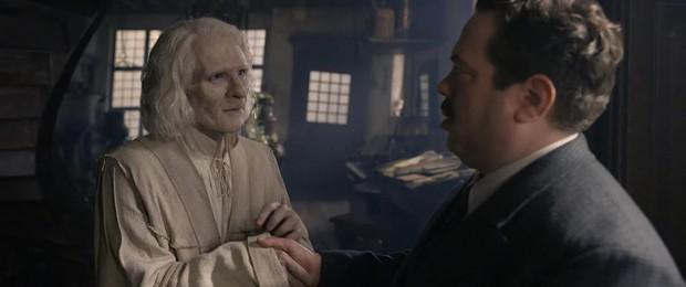 """Soi mỏi mắt không hết """"trứng phục sinh"""" trong thế giới phù thuỷ Fantastic Beasts 2 - Ảnh 6."""