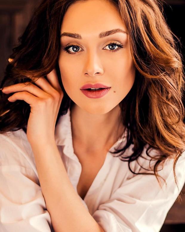 10 mỹ nhân Nga nóng bỏng nhất 2018: Siêu mẫu Irina Shayk chỉ về nhì, bà mẹ hai con dẫn đầu bảng tổng sắp - Ảnh 2.
