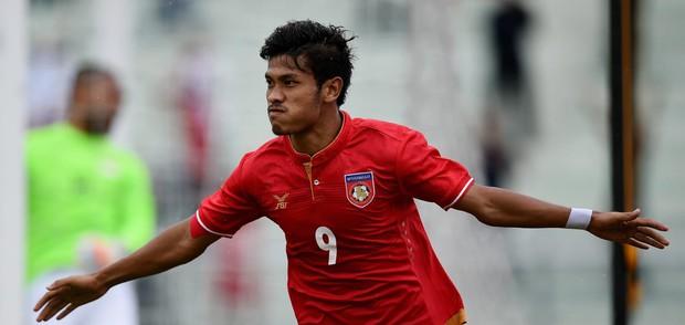 Kém 3 tuổi, Ronaldo Myanmar vẫn tán đổ MC đẹp nghiêng nước nghiêng thành - Ảnh 15.