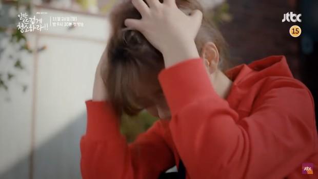 """Tiểu mỹ nhân Mây Họa Ánh Trăng Kim Yoo Jung hóa quý cô công sở trong """"Cô Tiên Dọn Dẹp"""" - Ảnh 6."""