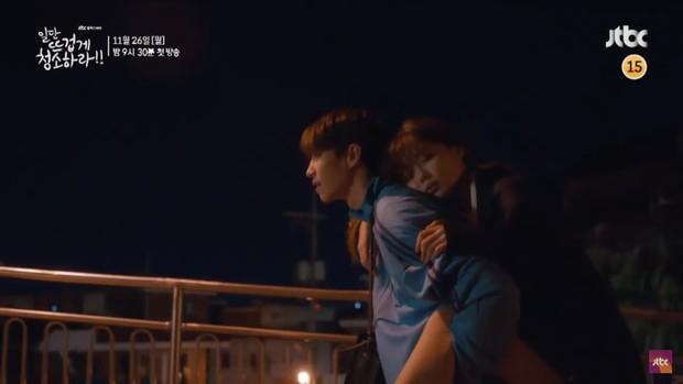 """Tiểu mỹ nhân Mây Họa Ánh Trăng Kim Yoo Jung hóa quý cô công sở trong """"Cô Tiên Dọn Dẹp"""" - Ảnh 12."""