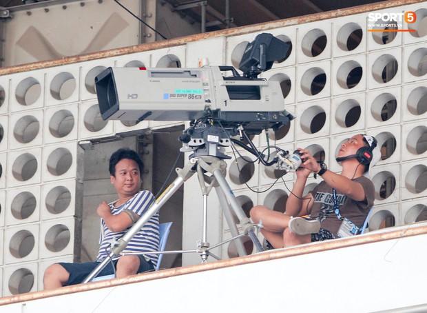 Myanmar sử dụng dàn máy quay đẳng cấp World Cup, khán giả Việt không còn lo bỏ lỡ bàn thắng - Ảnh 1.