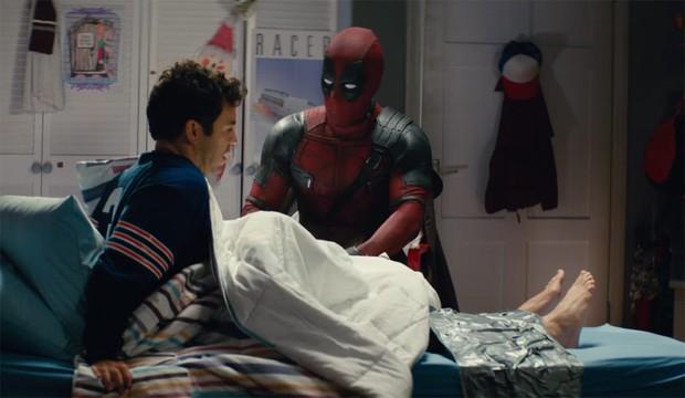 Deadpool đá đểu Marvel trong trailer phiên bản Giáng Sinh - Ảnh 3.