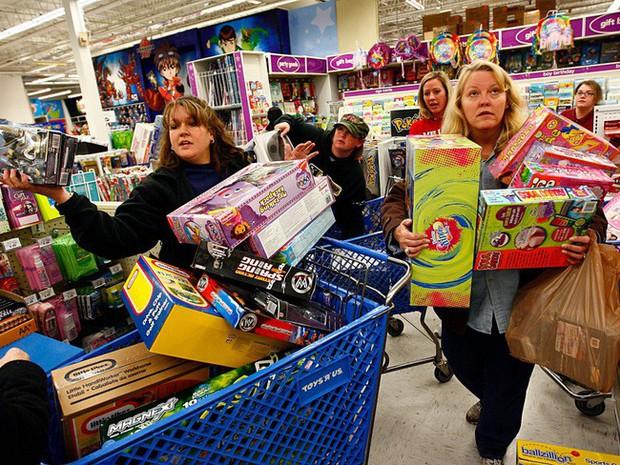 Ngày hội mua sắm Black Friday trên thế giới diễn ra như thế nào? - Ảnh 4.