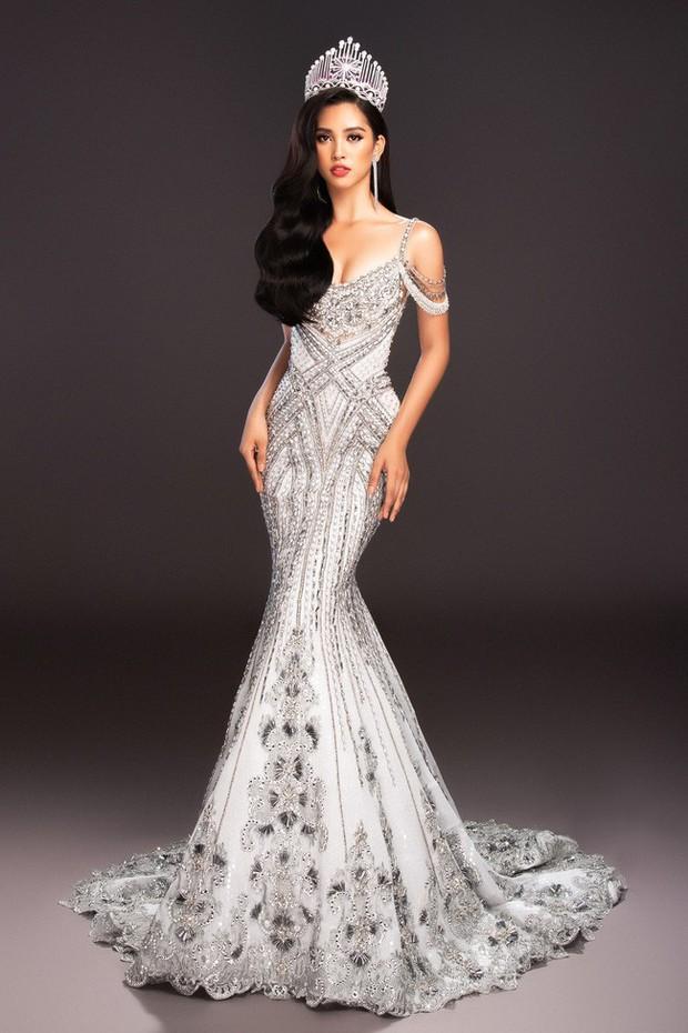 Tiểu Vy mang đến Miss World 2018 loạt váy dạ hội sang chảnh, khoe trọn sắc vóc của mỹ nhân 10x - Ảnh 4.