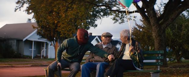 Deadpool đá đểu Marvel trong trailer phiên bản Giáng Sinh - Ảnh 5.