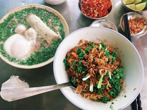 Sài Gòn có những món thật lạ, phải ăn với mì gói mới đúng bài đúng vị - Ảnh 6.