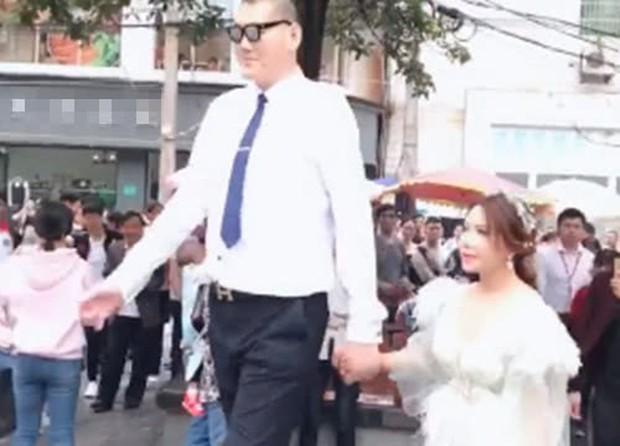 Phan Kim Liên Cung Nguyệt Phi hớn hở đi chụp ảnh cưới với bạn trai cao 2m3 sau khi chia tay tình cũ 1m1 - Ảnh 6.