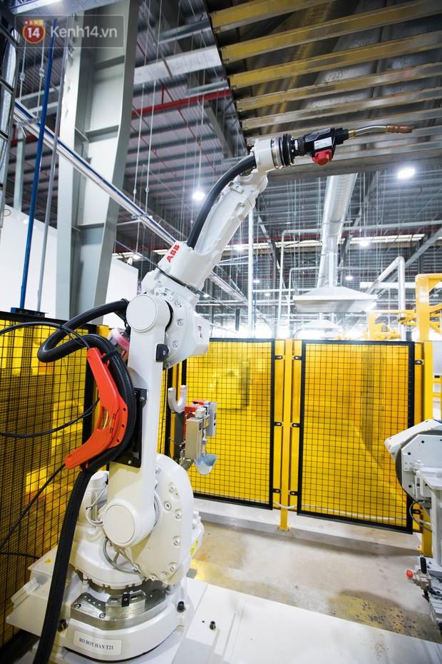 Ảnh: Tham quan công xưởng hiện đại của nhà máy sản xuất xe máy điện thông minh VinFast - Ảnh 6.