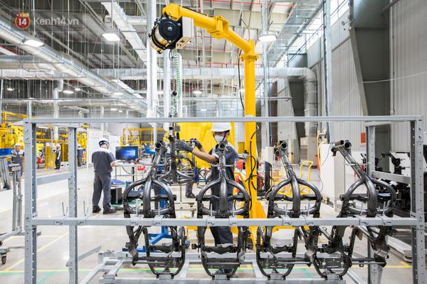 Ảnh: Tham quan công xưởng hiện đại của nhà máy sản xuất xe máy điện thông minh VinFast - Ảnh 12.