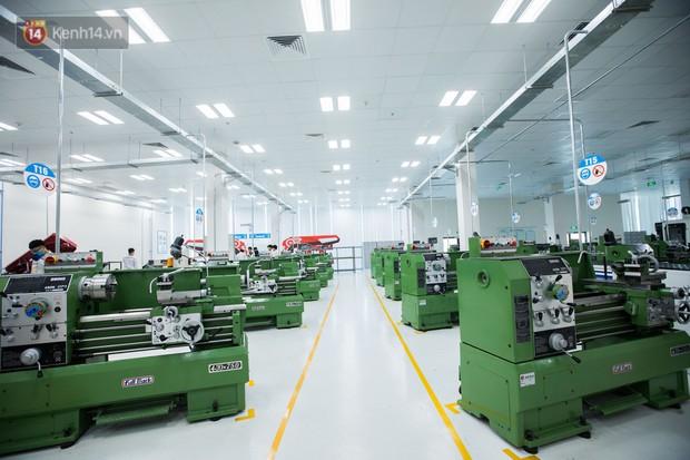 Ảnh: Tham quan công xưởng hiện đại của nhà máy sản xuất xe máy điện thông minh VinFast - Ảnh 3.