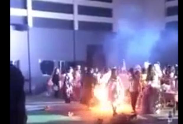 Chơi lễ hội Halloween, một nữ sinh viên bị bốc cháy - Ảnh 1.