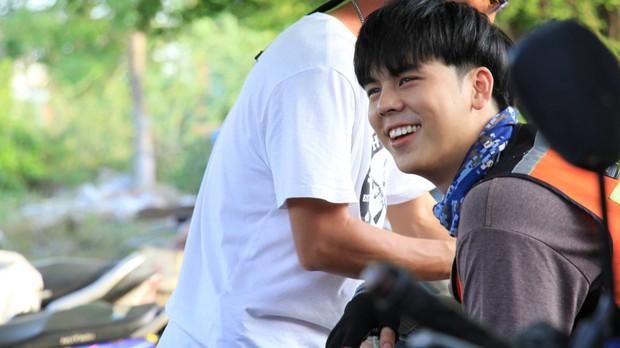 Chán làm giám khảo The Face, nam thần Thái Lan Peach Pachara Chirathivat nổi hứng chạy xe ôm kiếm sống - Ảnh 7.