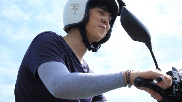 Chán làm giám khảo The Face, nam thần Thái Lan Peach Pachara Chirathivat nổi hứng chạy xe ôm kiếm sống - Ảnh 6.