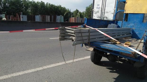 Tông vào xe ba gác chở thanh nhôm, nam thanh niên tử vong ở Sài Gòn - Ảnh 3.