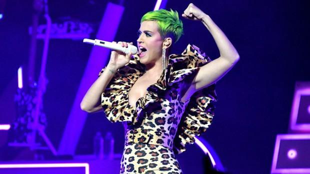 Top 10 nữ ca sĩ kiếm nhiều tiền nhất 2018: Taylor Swift hay Katy Perry là người giữ ngôi đầu bảng? - Ảnh 1.