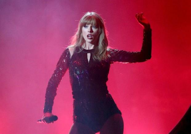 Top 10 nữ ca sĩ kiếm nhiều tiền nhất 2018: Taylor Swift hay Katy Perry là người giữ ngôi đầu bảng? - Ảnh 2.