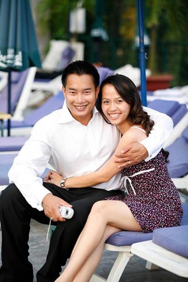 Sau 15 năm kết hôn, MC đình đám của VTV mới khoe ảnh cận mặt vợ, nhan sắc cô ấy khiến ai nấy bất ngờ - Ảnh 13.