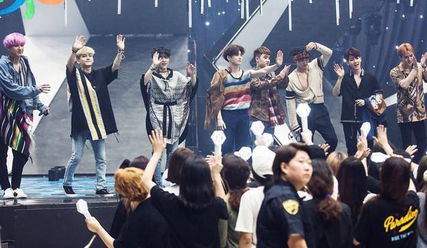 """Chưa hết bực mình do thần tượng bị đối xử bất công, fan lại """"cạn lời"""" vì SM nhầm EXO thành NCT 127 - Ảnh 2."""