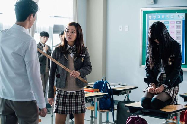 Nam sinh Hàn Quốc chết vì bị bạn học đánh đập, đẩy ngã từ tầng 15: Bạo lực học đường, vấn đề cũ mà cứ xuất hiện lại rúng động - Ảnh 6.