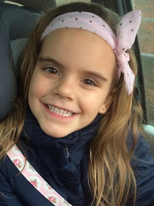 Bé gái 9 tuổi mỗi lần ra đường là gây chú ý vì gương mặt giống hệt Hermione trong Harry Potter - Ảnh 3.