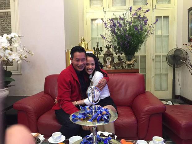 Sau 15 năm kết hôn, MC đình đám của VTV mới khoe ảnh cận mặt vợ, nhan sắc cô ấy khiến ai nấy bất ngờ - Ảnh 8.