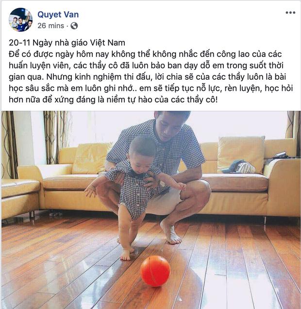 HLV Park Hang Seo nhận quà 20/11 từ các tuyển thủ Việt Nam- Ảnh 6.