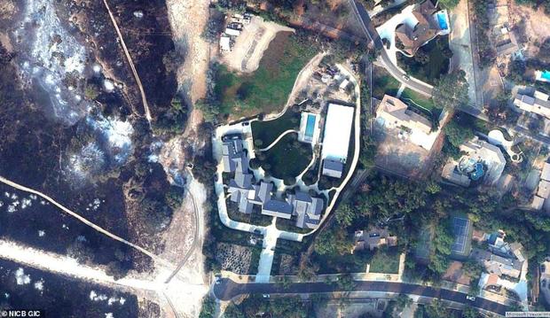 Loạt ảnh vệ tinh về khung cảnh hoang tàn tại nhà Miley Cyrus và nhiều sao khác sau đám cháy rừng ở California - Ảnh 8.