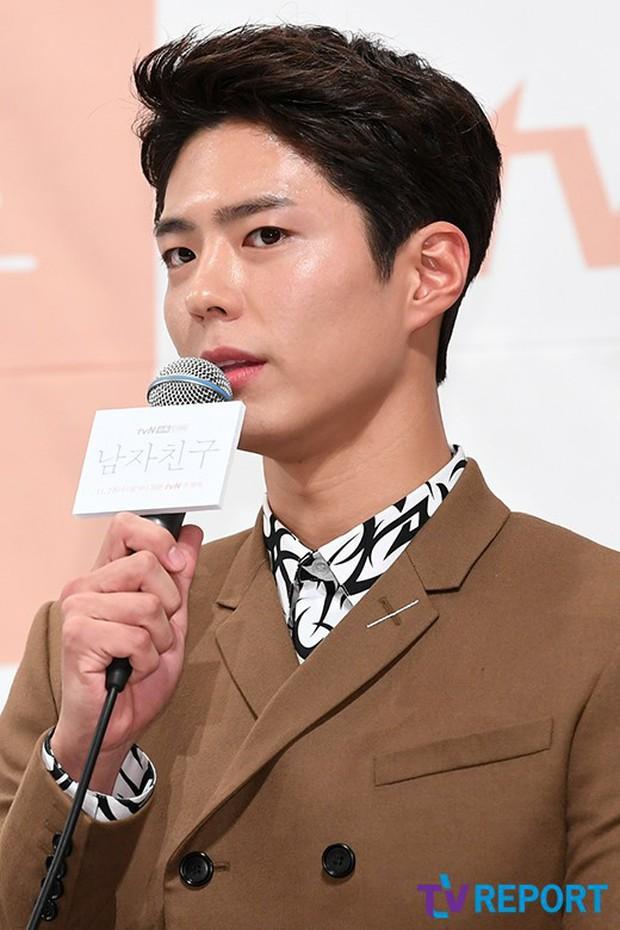 Song Hye Kyo đập tan tin đồn bầu bí nhờ body lột xác, đẹp đỉnh cao bên Park Bo Gum tại sự kiện hot nhất hôm nay - Ảnh 14.