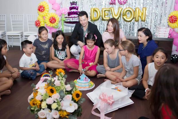 """Trương Ngọc Ánh và Trần Bảo Sơn """"tái hợp"""", cùng nhau tổ chức tiệc sinh nhật 10 tuổi cho con gái - Ảnh 2."""