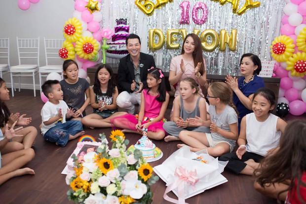 """Trương Ngọc Ánh và Trần Bảo Sơn """"tái hợp"""", cùng nhau tổ chức tiệc sinh nhật 10 tuổi cho con gái - Ảnh 1."""