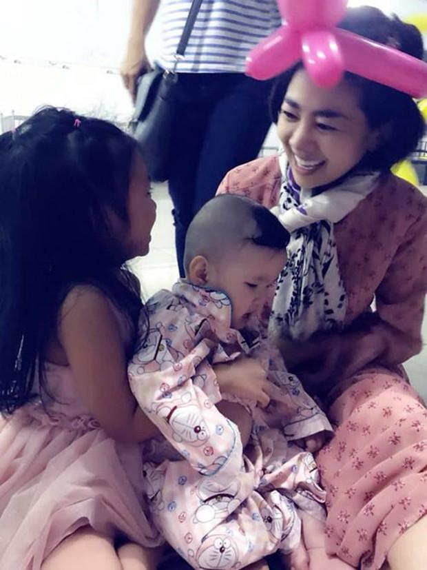 Rạng rỡ khi xuất hiện nhưng Mai Phương đang bị rụng tóc, đau ruột do tác dụng phụ của thuốc điều trị ung thư - Ảnh 2.