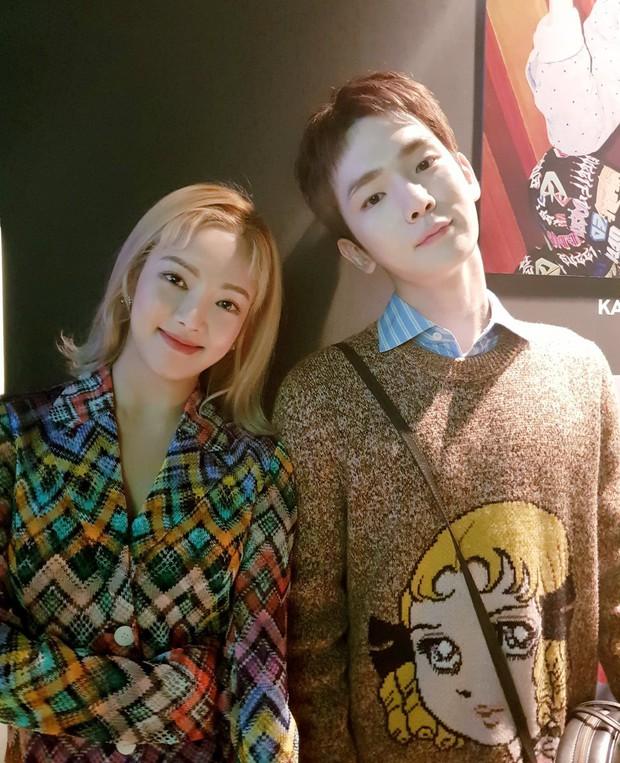 SM tổ chức đêm từ thiện cho trẻ em Việt Nam: Nữ thần Irene đọ sắc với dàn mỹ nhân, Siwon phong độ bên SHINee, NCT - Ảnh 11.