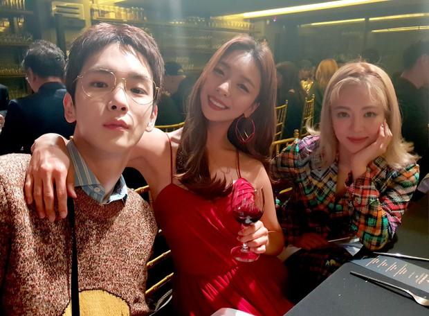 SM tổ chức đêm từ thiện cho trẻ em Việt Nam: Nữ thần Irene đọ sắc với dàn mỹ nhân, Siwon phong độ bên SHINee, NCT - Ảnh 9.
