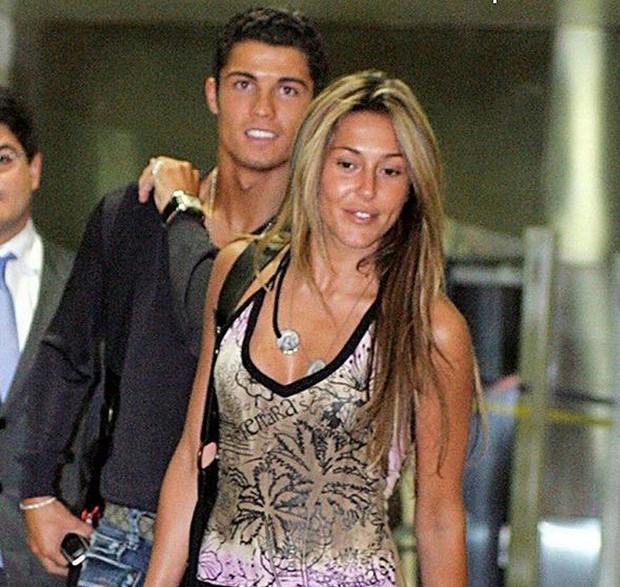Tình sử đầy thị phi của Cristiano Ronaldo trước khi đính hôn: Từ siêu mẫu Victorias Secret đến tiểu thư nhà giàu lộ băng sex - Ảnh 2.