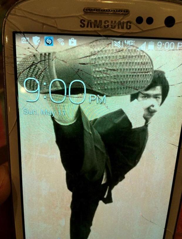12 cách sửa smartphone vỡ màn hình cực kỳ sáng tạo, không tốn tiền mà còn rất ngầu - Ảnh 6.